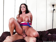 Chica Ariella Ferrera spends time having sex with hard cocked guy Danny Mountain